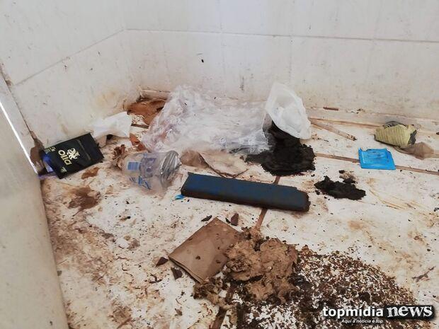 VÍDEO: abandonado, Teatro de Arena do Horto Florestal coleciona lixo e tem estrutura destruída