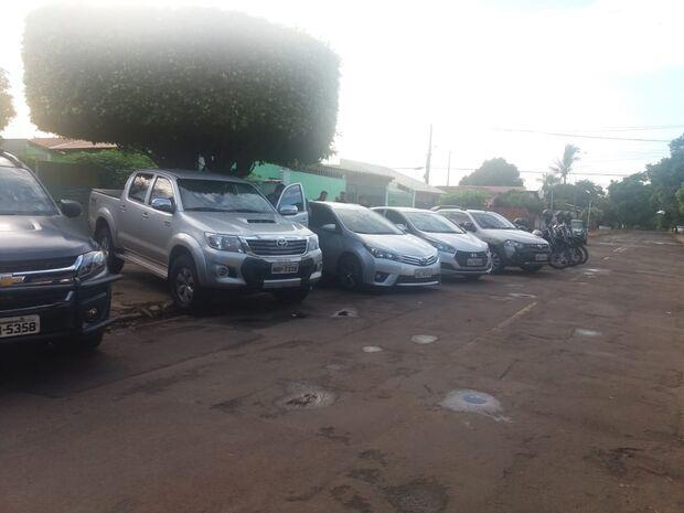 Dois bandidos são mortos e quatro veículos roubados são recuperados na Capital