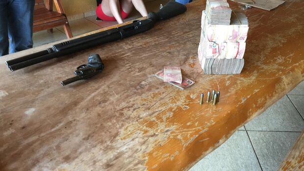 Trio 'dono' de quase 100 kg de cocaína apreendida na fronteira é preso em ação da PF