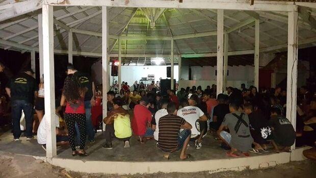 'Eu vou parar na gaiola': ação apreende 57 menores em baile funk regado a drogas e álcool
