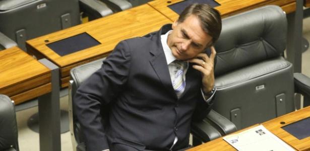 Governo de Bolsonaro promete reduzir teto da alíquota do Imposto de Renda