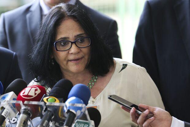 'Holandeses masturbam bebês': ministra soltou frase polêmica em evento em Campo Grande