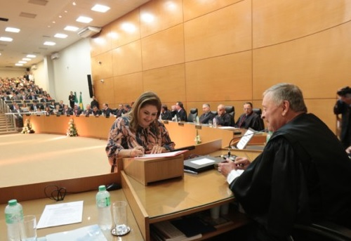 Juíza Elizabete Anache assume cargo de desembargadora de MS