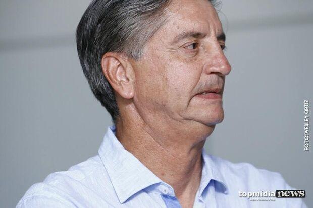 Dagoberto recorre a letra de Renato Russo para protestar contra renúncia de Jean Wyllys