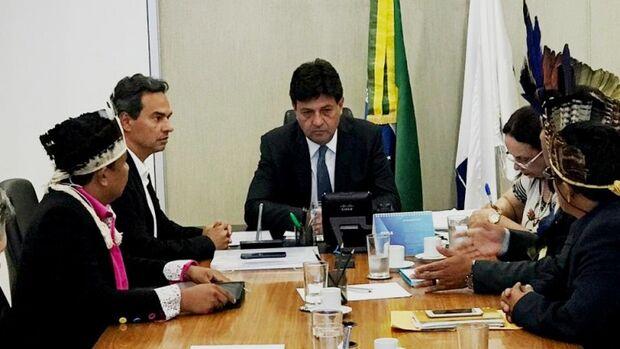 Marquinhos apresenta projeto para ministro Mandetta sobre complexo policlínico em Campo Grande