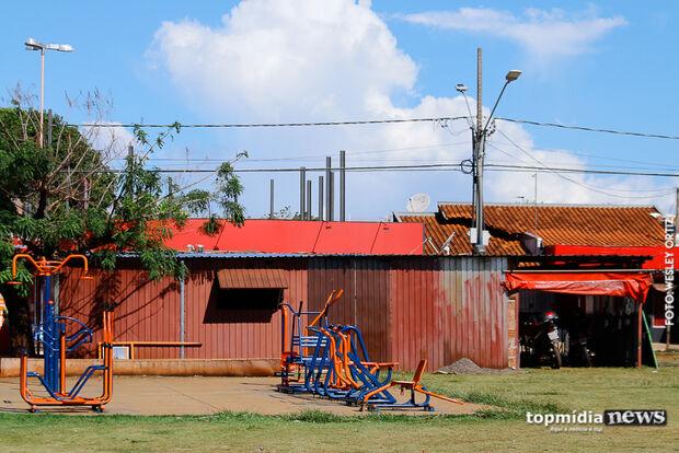 Moradores denunciam obras em lanchonete em praça municipal do Aero Rancho