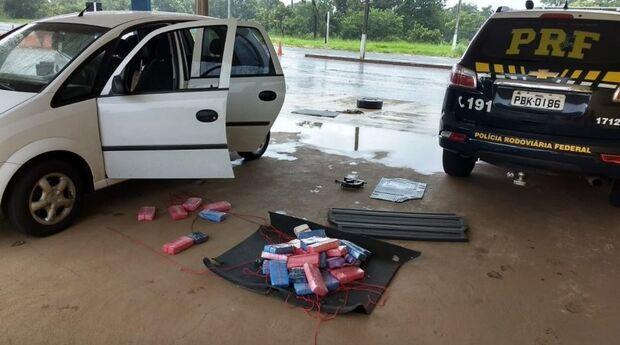 PRF apreende 40 kg de cocaína e um jovem vai preso