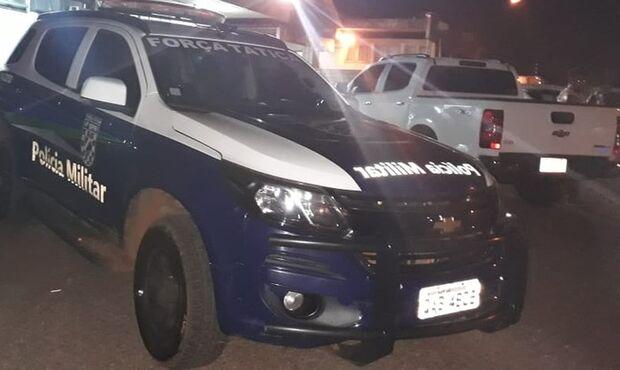 Detido por manobas perigosas com carro, homem morre após levar mata-leão de PMs
