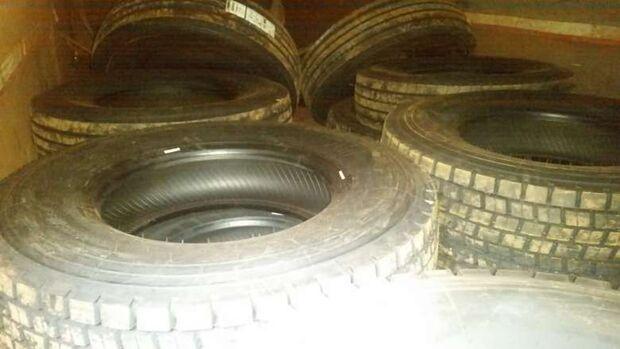 Carga de pneus contrabandeados do Paraguai é apreendida na MS-378