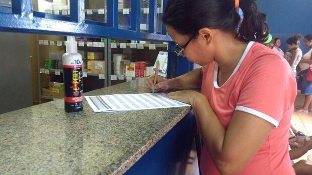 Gestantes cadastradas no Bolsa Família podem retirar repelentes gratuitamente nos postos de saúde