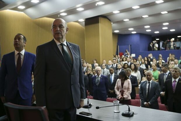 Osmar Terra assume Cidadania e prevê 13º para o Bolsa Família no fim de 2019