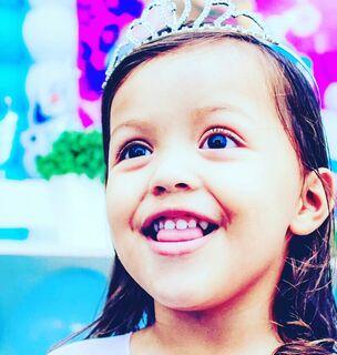 Aos 4 anos, Yasmin é apaixonada por fotos e já sonha em ser Miss Baby Campo Grande