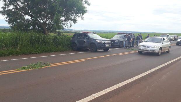 VÍDEO: um morre e dois são presos tentando roubar caminhão na Capital