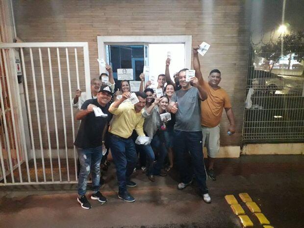 Moradores se juntam contra reajuste da taxa de condomínio no Parati