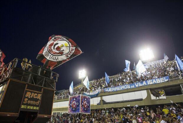 Bolsonaro anuncia mudanças na Lei Rouanet; famosos ficam de fora