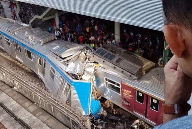 Trens se chocam em estação no Rio de Janeiro