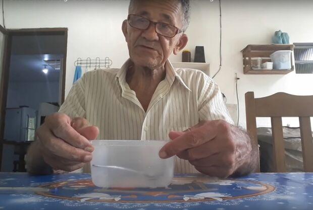 Após viralizar com receita de slime, idoso é acusado de pedofilia