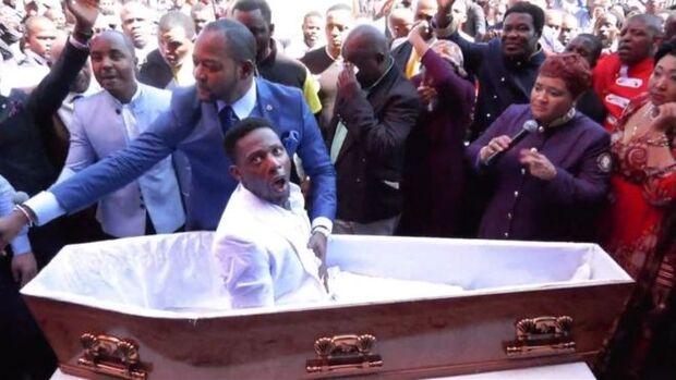 Funerárias processam pastor acusado de simular ressurreição