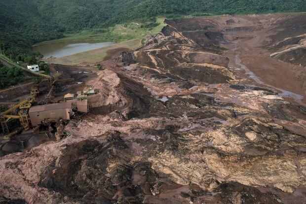 'Caso Brumadinho': MP faz operação e prende oito funcionários da vale