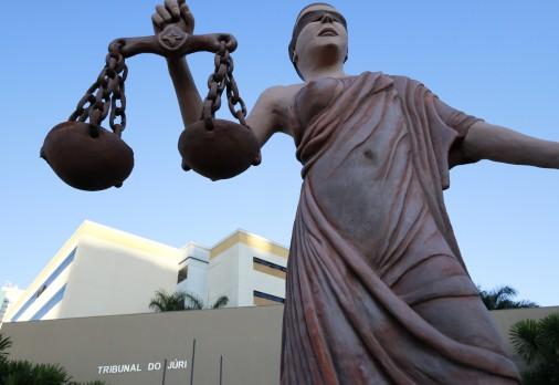 Tribunal do Júri condena réu a 22 anos de reclusão por feminicídio