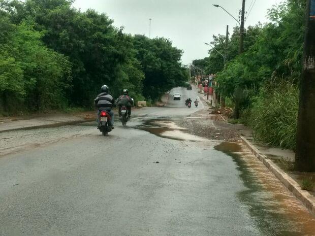 Chuva derruba temperaturas, mas não provoca novos estragos hoje na Capital