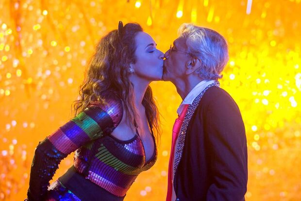 Bolsonaro é criticado em novo clipe de Daniela Mercury com Caetano Veloso