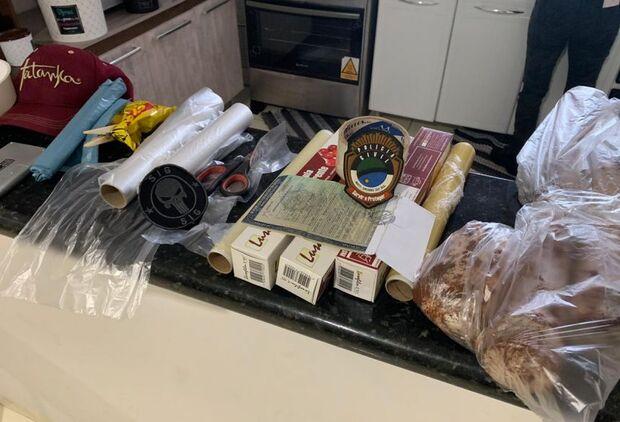 Comércios de fachada: quatro são presos com droga, armas e carro de luxo
