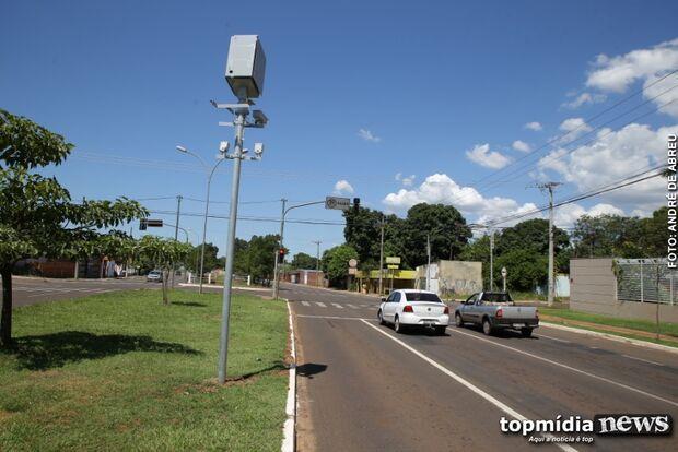 Indústria da multa: vereador quer acabar com radares e cancelar punições em Campo Grande