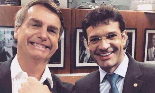 Ministro de Bolsonaro criou candidatos laranjas para desviar recursos durante a eleição