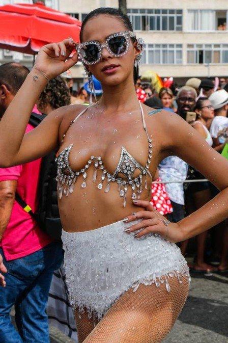 Bruna Marquezine será musa de camarote na Sapucaí