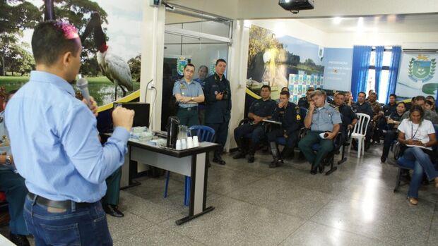 Prefeitura capacita policiais para atuarem como colaboradores no combate à dengue