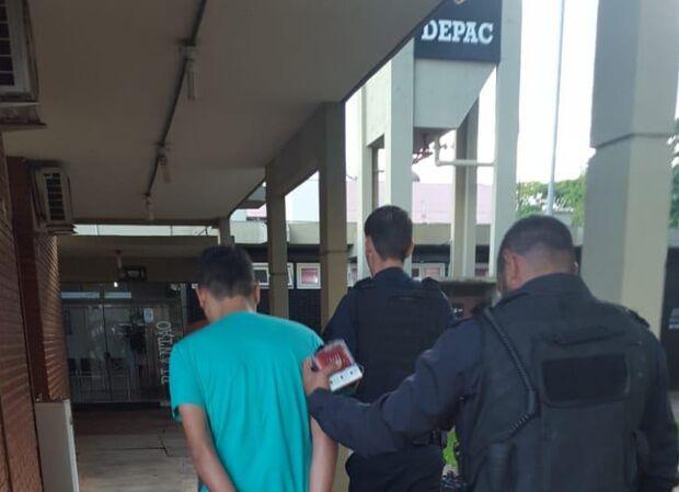 Dupla é presa suspeita de furtar loja de aparelhos eletrônicos