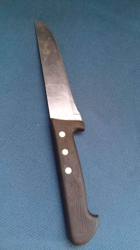 'Olha a faca': jovem é assaltado por dupla e ameaçado com faca