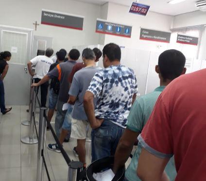 Procon fiscaliza 20 agências bancárias e autua 17 por irregularidades no atendimento