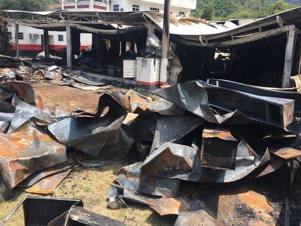 Atletas do Flamengo quebraram janelas para tentar salvar colegas