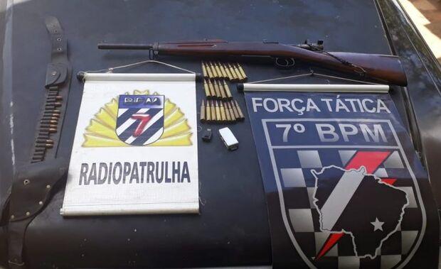 Dono de motel é preso pela PM com 'Fuzil Mosque Fal' e munições em cidade do MS