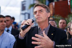 Bolsonaro comemora aumento de imposto de importação de leite