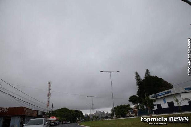 Bom dia! Tempo vira na Capital e terça-feira pode acabar em chuva