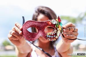 'Fica esperto': roubar beijo no Carnaval pode dar cadeia