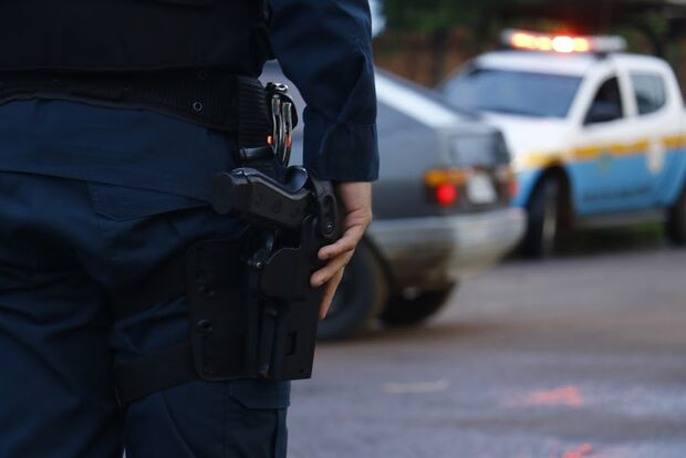Policial aposentado poderá ser autorizado a portar arma de fogo