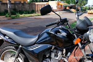 'Mona tô passada': travestis agridem ladrão que tentou furtar moto de uma delas