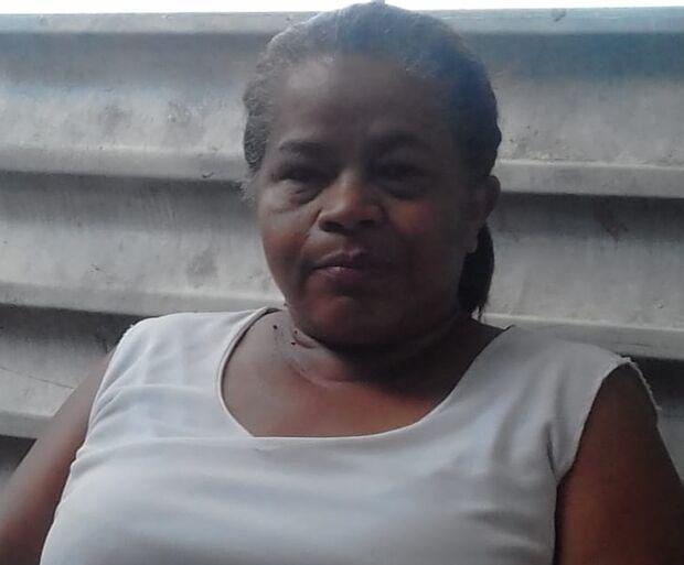 Há quatro anos em fila de cirurgia, mulher não sai de casa e teme pela vida