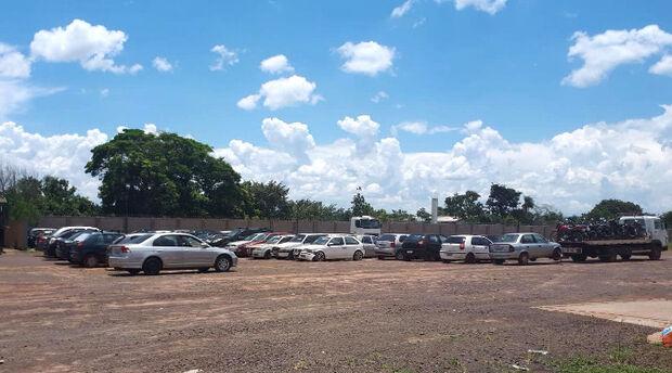 Pátios credenciados já receberam 108 carros e motos, diz Detran