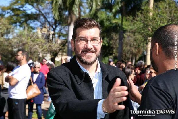Pedro Kemp critica suposto monitoramento do governo federal a encontro de bispos católicos