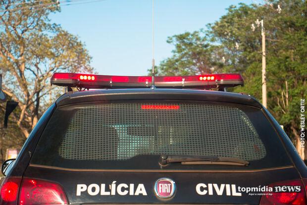 Homem rouba pessoas com moto furtada e acaba em cana na Capital