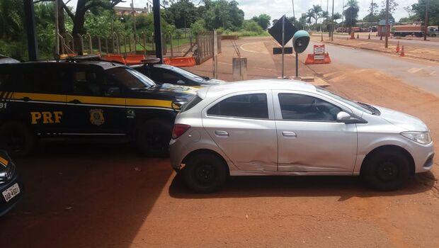 Desempregado tenta fugir, mas é preso com carro roubado em direção à fronteira