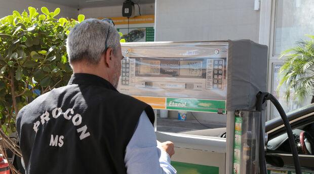 Procon notifica 16 postos de combustíveis em quatro municípios de MS