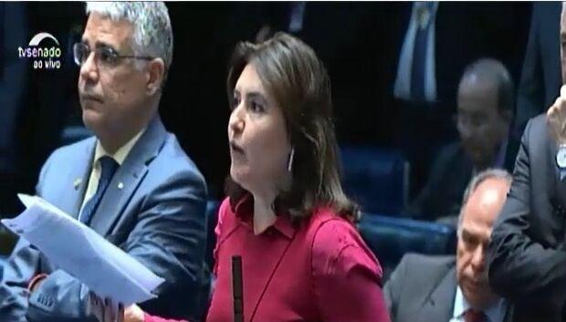 VÍDEO: pressionada, Simone afirma que mudança mantém permissão para aborto em caso de estupro