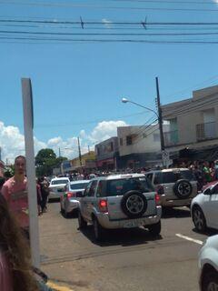 Trote e início das aulas levam estudantes da UFMS às ruas