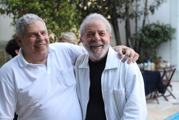Em Curitiba, ato religioso lembra 7º dia de morte de Vavá, irmão de Lula